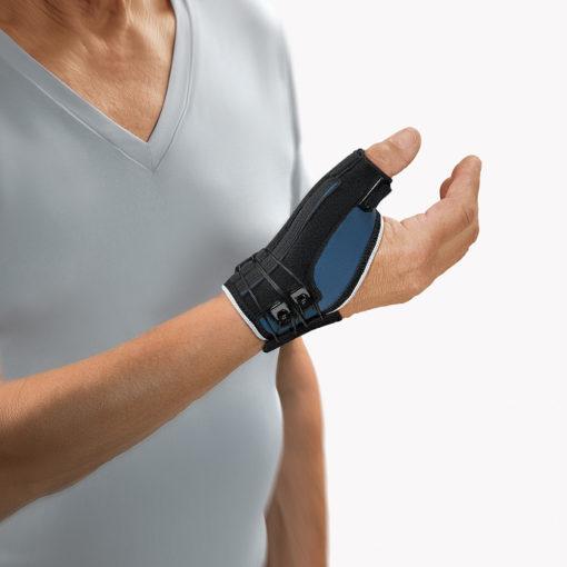 Duimbandage artritis ontsteking duim